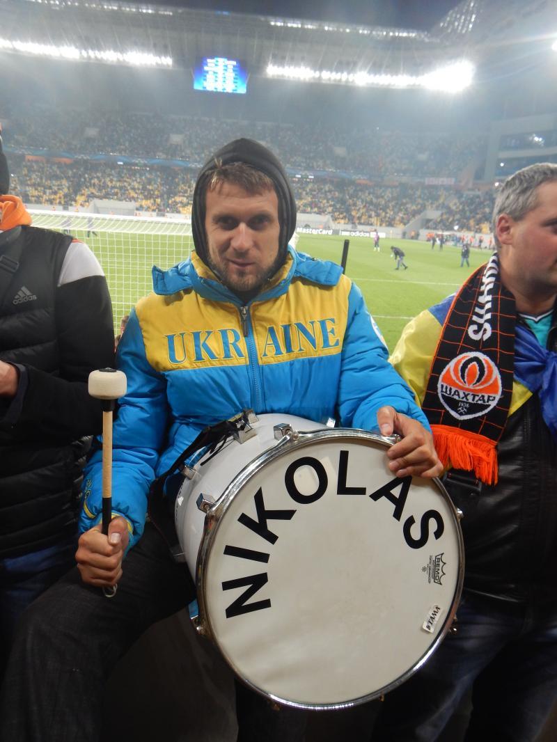 з чарівним барабаном ! ))