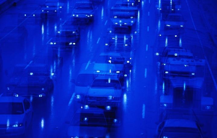 Автомобілів на дорогах стає дедалі більше, тому безпека пересування залежить від кожного.