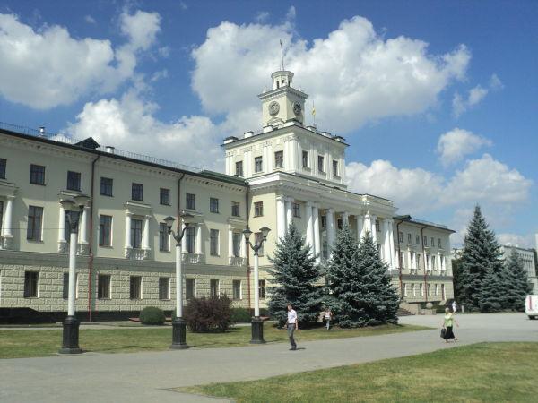 Скоро до Хмельницької обласної ради долучаться троє нових депутатів.