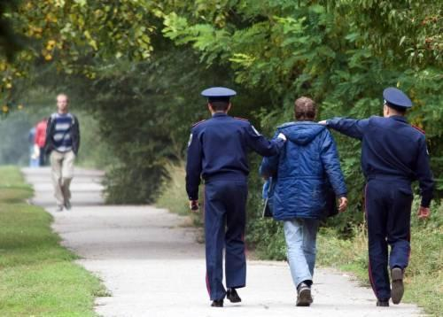 Міліціонери вимагали в підприємців гроші. Фото tsn.ua