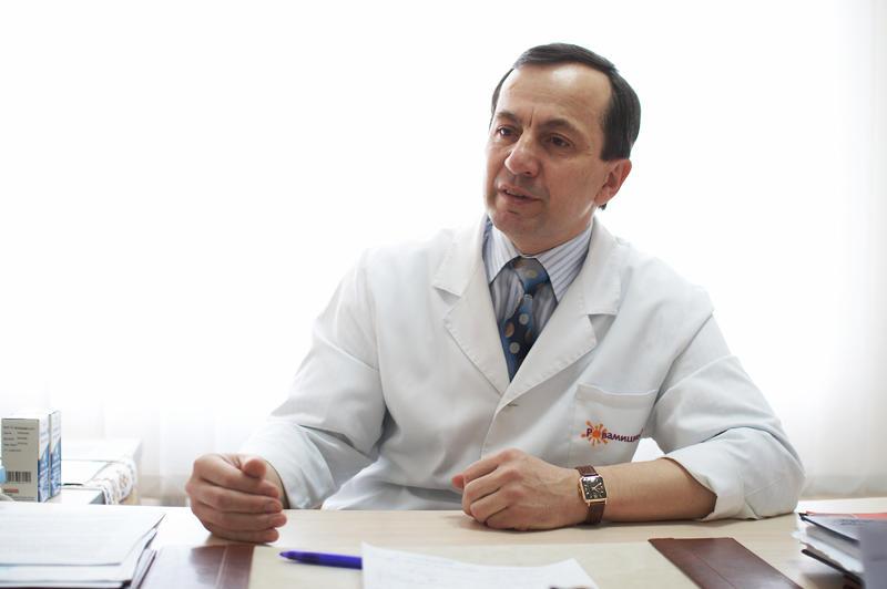 Анатолій Суходоля, головний хірург області, професор