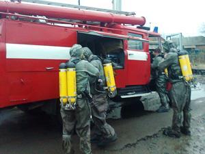 Техніка державної пожежно-рятувальної частини №11 Деражнянської служби цивільного захисту ТУ МНС у Хмельницькій області швидко прибула на місце події.