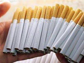 Сигарети можуть піднятися в ціні. Причина -  відповідний законопроект. Фото healthrights.org.ua