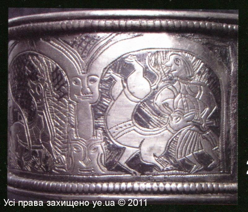 Срібний браслет з сюжетним зображенням вовкулака, ХІІI ст.