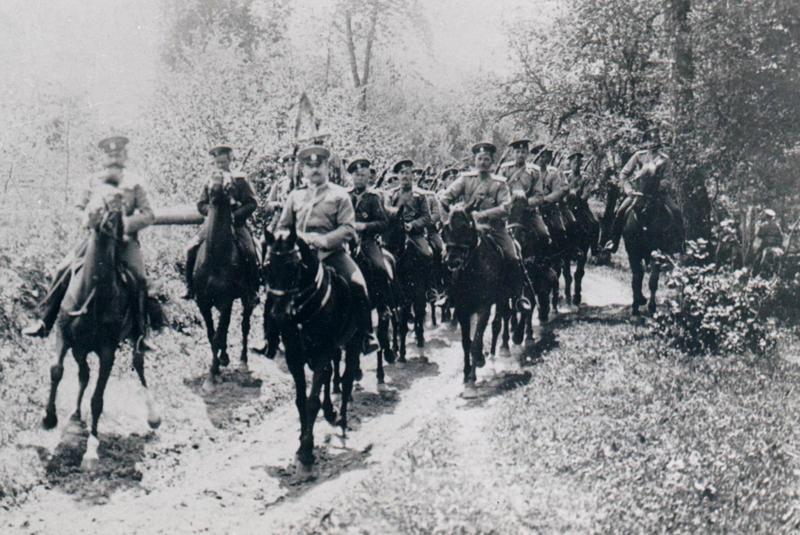 1-й ескадрон Бєлгородського полку на маневрах під Меджибожем, 1909 рік.