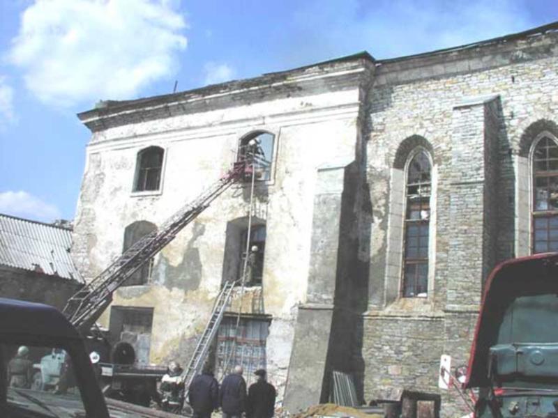 10 квітня 2003 року в Кам'янці-Подільському згоріло архівосховище в колишньому Францисканському костелі, що у Старому місті