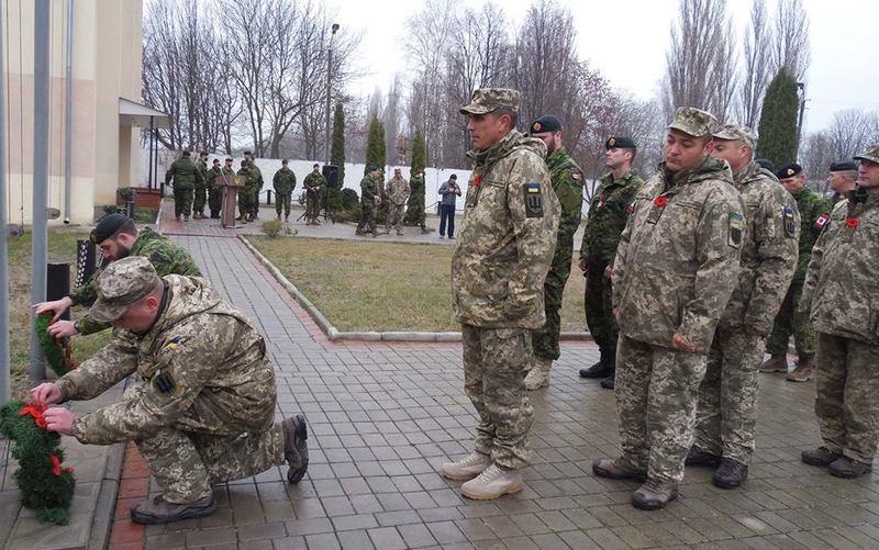 Українські та канадські військові вшанували пам'ять загиблих у різних збройних конфліктах