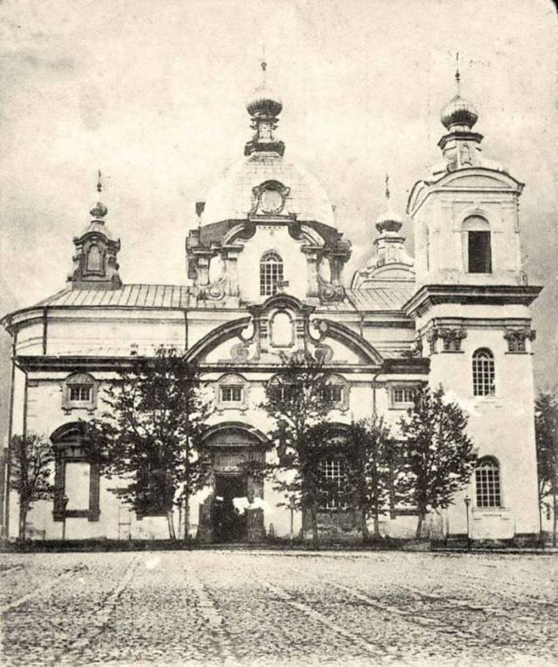 Кафедральний собор, який у 1890-му дав перший притулок музеєві, котрий розпочинався як давньосховище старожитностей в Кам\'янці-Подільському