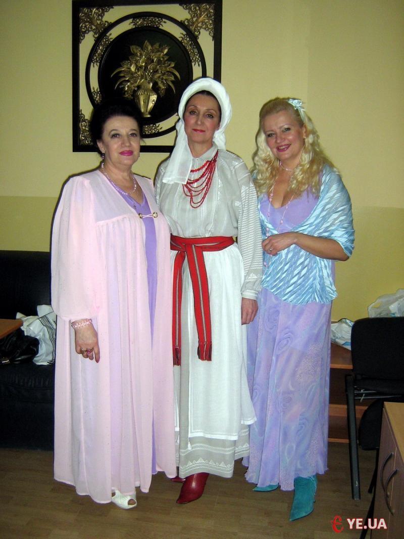 Надія Пукас (ліворуч) разом із іншими лауреатами фестивалю.