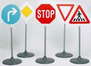 Водіям та пішоходам варто ознайомитися зі змінами до Правил дорожнього руху.