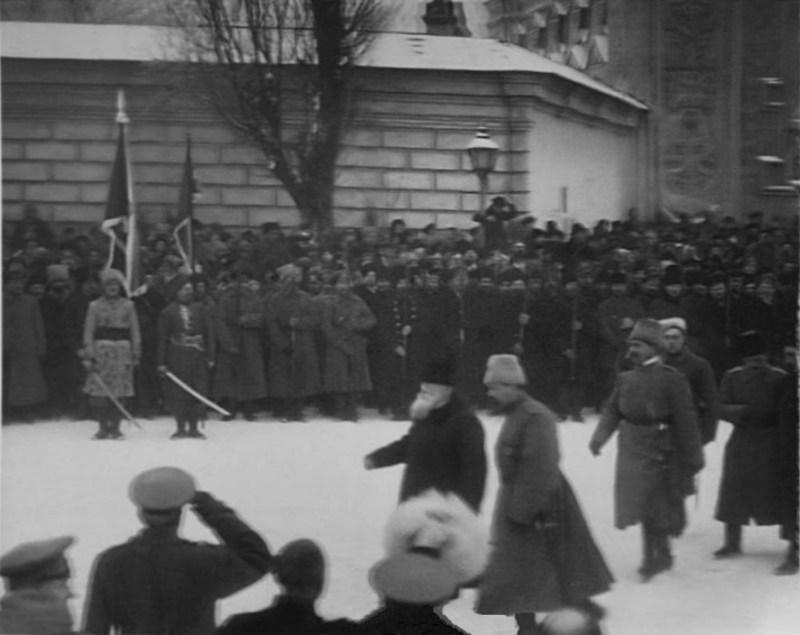 Михайло Грушевський на військовому параді у Києві взимку 1917 року