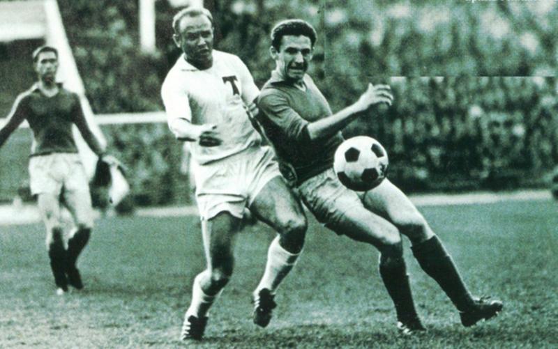 Цього дня народився у Кам'янці-Подільському футболіст Володимир Капличний (в темній футболці) бронзовий призер Олімпійських ігор 1972 року