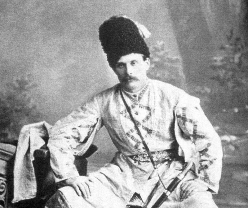 Керівник театру Микола Садовський у сценічному вбранні