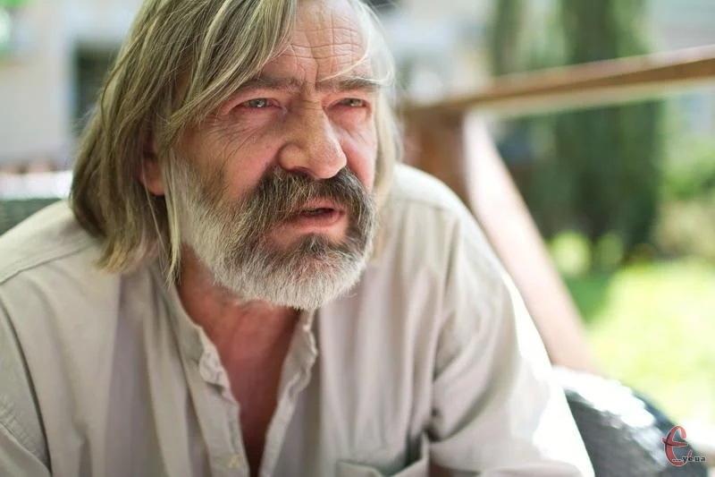У цей день народився відомий хмельничанин, художник-монументаліст, живописець Микола Мазур