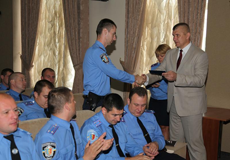 Посвідчення учасника бойових дій урочисто вручив головний міліціонер області Микола Семенишин