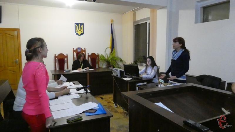 7 листопада відбулося перше судове засідання у справі про звільнення Романа Миколаїва