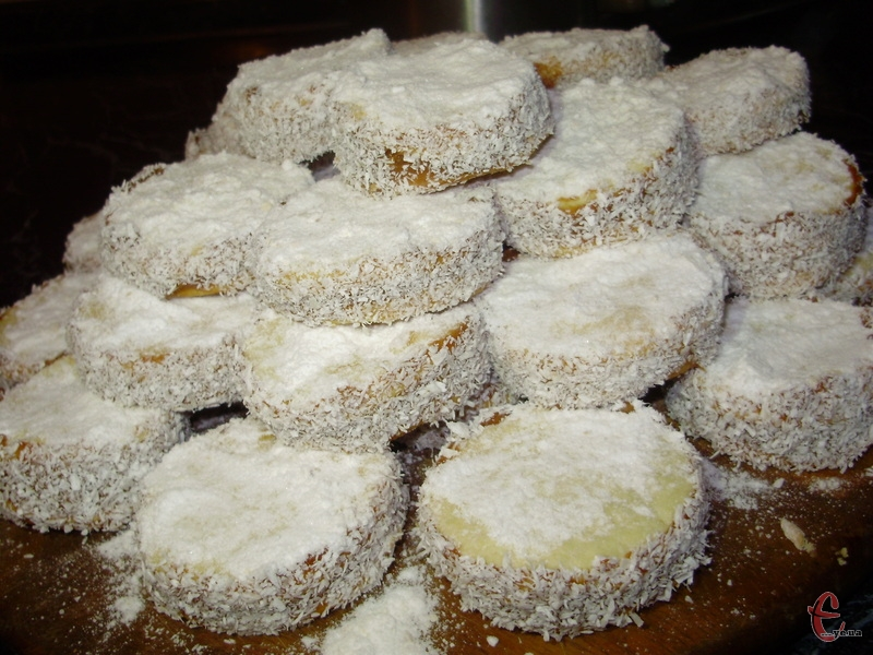 Дуже смачне розсипчасте печиво з вершковим смаком, яке буквально тане в роті!