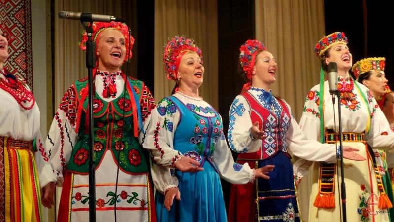 Козаки Поділля - універсальний колектив народного співу, танцю та інструментальної музики