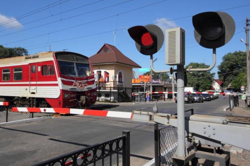 Альтернативних під'їзних залізничних колій, які б примикали до під'їзної залізничної колії «Реміксу» немає