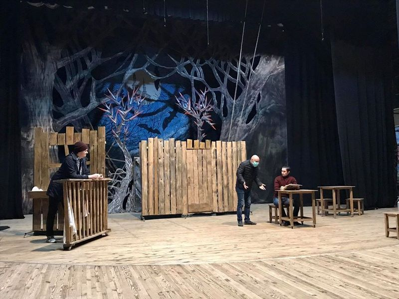 Театрали відновили репетиції