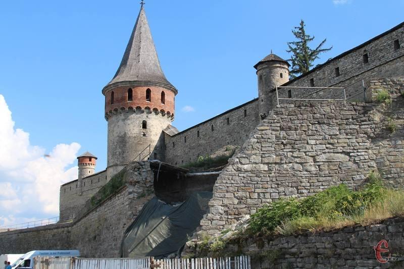 Обвал муру Старої фортеці стався 14 лютого 2018 року