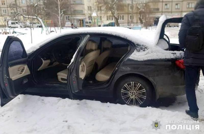 Хмельницькі поліцейські затримали групу вимагачів з Вінниці