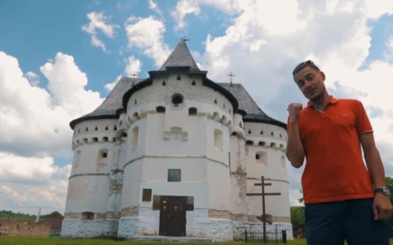 Окрім відвідування замків, мандрівники розпитували місцевих мешканців, що ще можна подивитися дорогою
