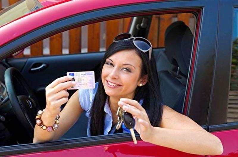 Минулого року в області з'явилося більше 10 тисяч водіїв-початківців