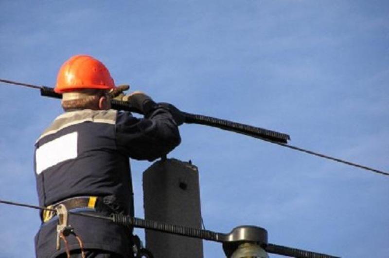 Хмельницький РЕМ оприлюднив перелік адрес, де 17 лютого призупинять на певний час електропостачання