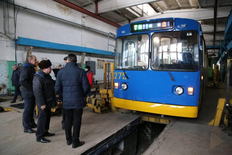 Капітально відремонтований тролейбус невдовзі виїде на дороги міста. Фото: khm.gov.ua