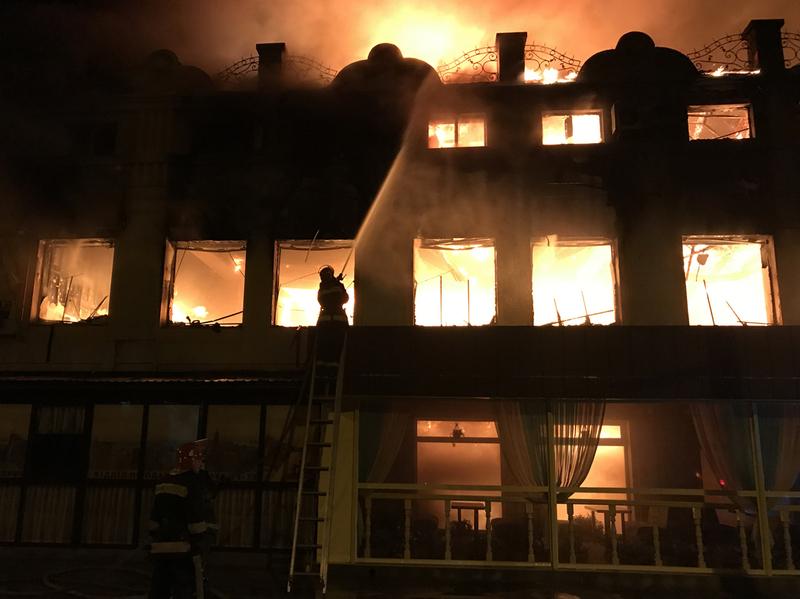 Пожежу ліквідовували більше 50 рятувальників