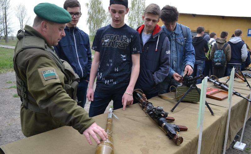 Вже третій рік поспіль цікаві навчання для школярів проводять у рамках проекту «Прикордонний вишкіл», що втілюють у життя за сприяння народного депутата України Сергія Лабазюка.