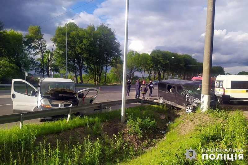 Аварія сталася поблизу села Шаровечка Хмельницького району.