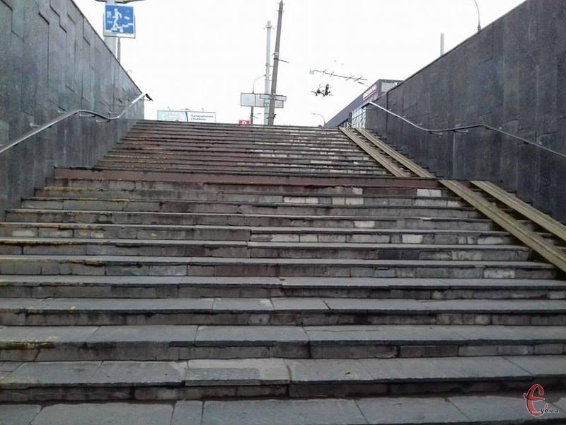 Вже у найближчому майбутньому, не виключено, в підземки, що в центрі Хмельницького, будуть нові орендарі. Старим показали на вихід...