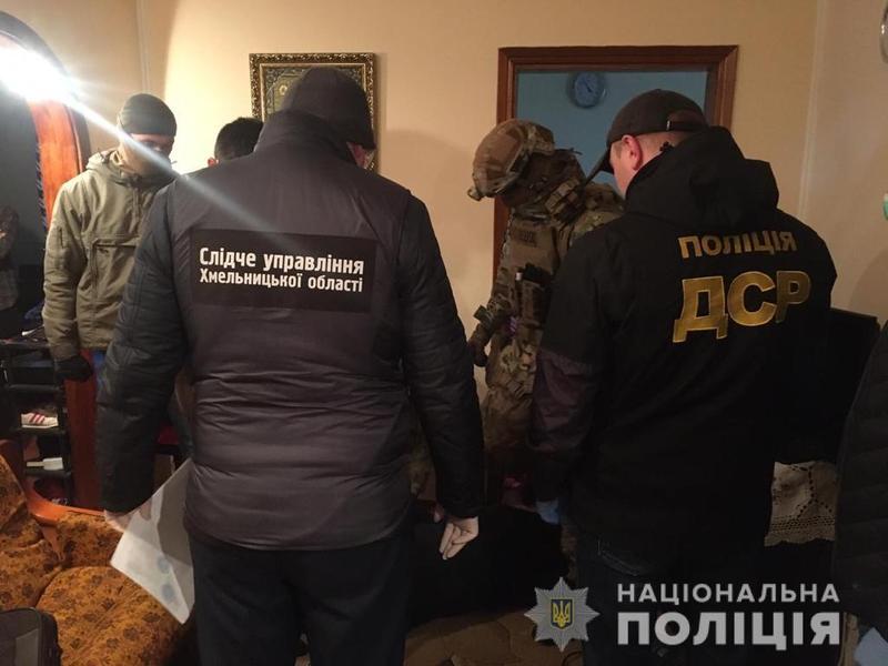 На Хмельниччині суд арештував членів злочинної групи, які вимагали з підприємців понад пів мільйона гривень «боргу»
