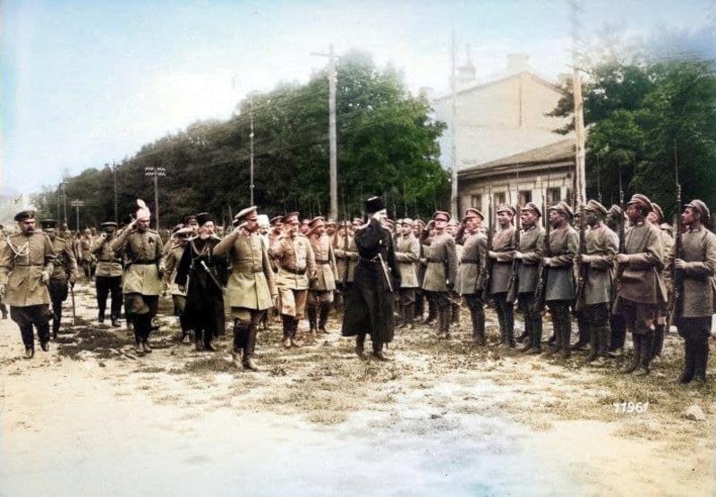 24 липня Павло Скоропадський затвердив закони про загальну військову повинність і кримінальну відповідальність спекуляцію