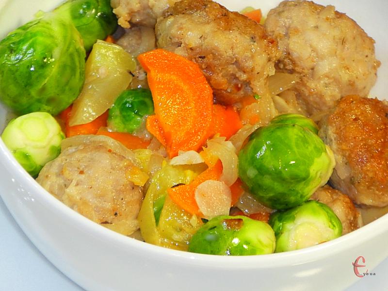 Ця корисна й смачна страва вигідна ще й тим, що до неї не потрібен гарнір, адже в ній уже є овочі!