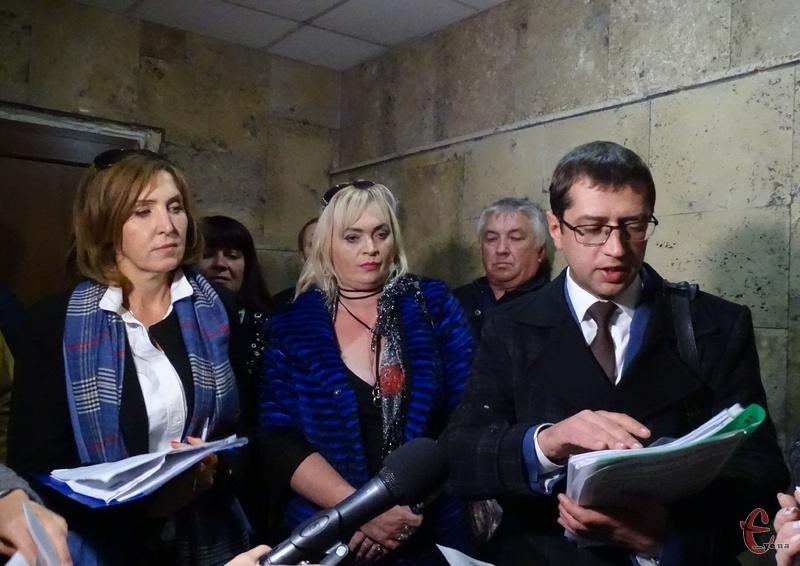 Людмила Романенко (ліворуч) і Михайло Бейлик (праворуч) кажуть, що очолюють кооператив