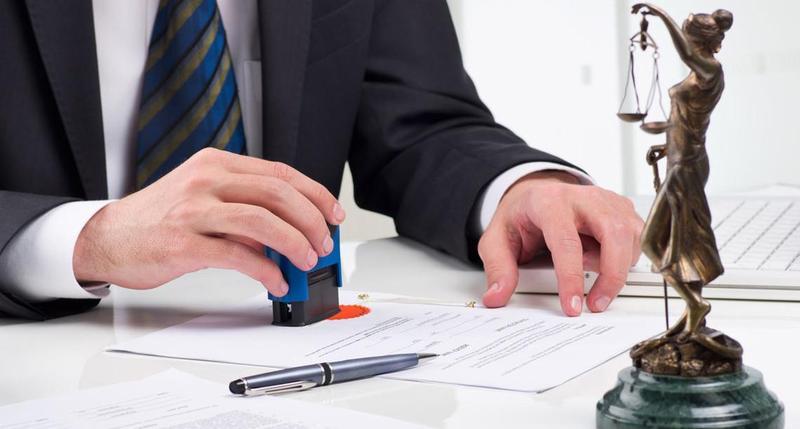 За версією правоохоронців, бухгалтер у вигляді заробітної плати нажився на понад 1,6 мільйони гривень
