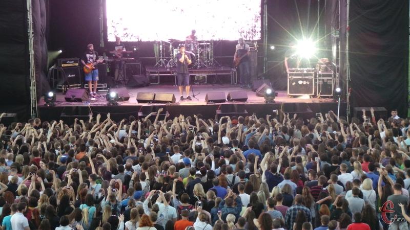 Бумбокс до Хмельницького приїхав в рамках туру до 10-річчя гурту
