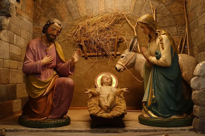 25 грудня частина християн святкує Різдво Христове за григоріанським календарем