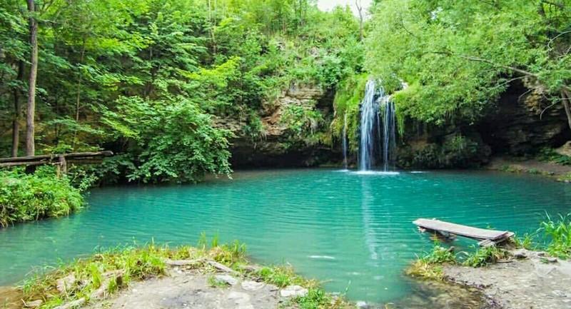 Село славиться водоспадом, садами і оригінальними гастрономічними традиціями