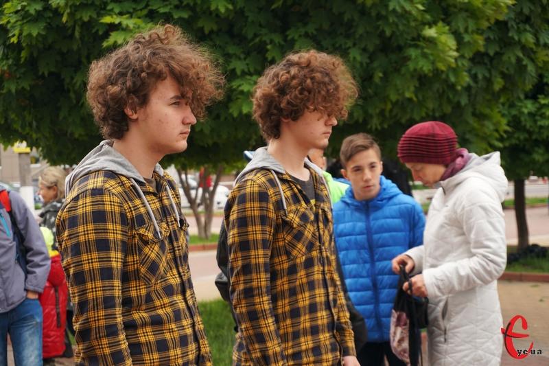 Парад близнят у Хмельницькому відбувся цього року в десятий раз