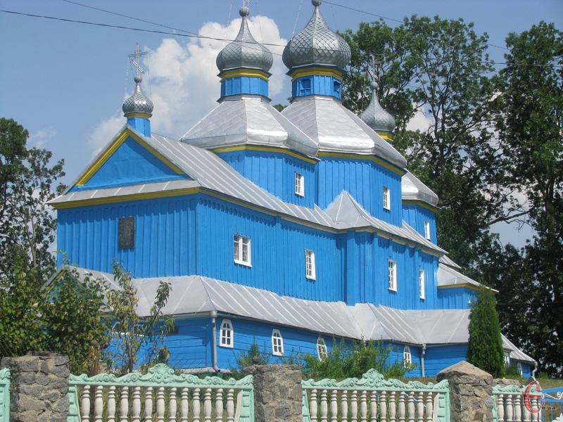 У селі Старий Кривин селяни двічі розбирали храм, ховаючи його від ворогів