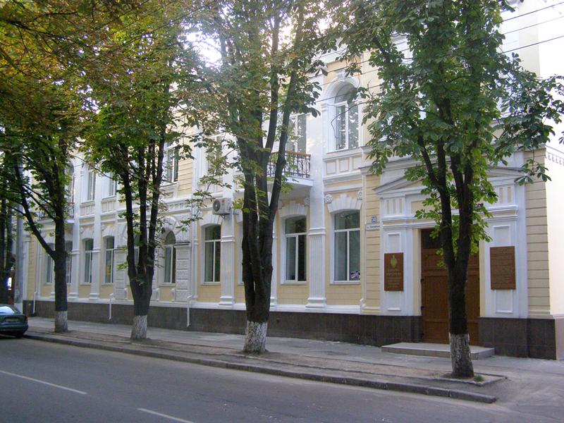 У цьому будинку 10 червня 1919 року заарештували Петра  Болбочана. Хмельницький вулиці Героїв Майдану, 38