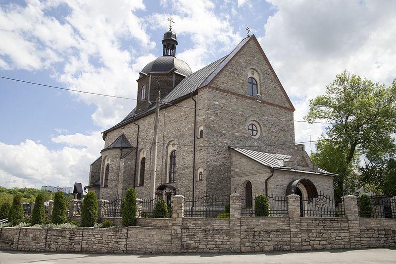 У 2010 році 10 липня відбулося освячення відбудованого василіянського храму Пресвятої Трійці