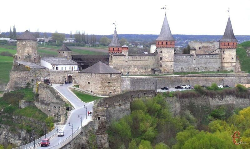 У 1937 році музей розмістився на території Старої фортеці