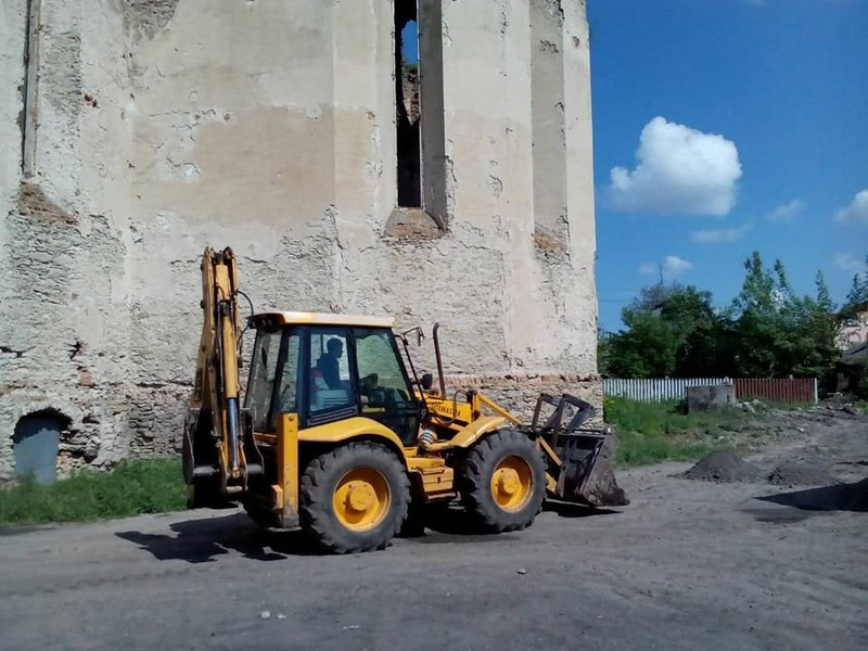 Минулого року у Меджибожі зруйнували древній мур біля історичної пам\'ятки
