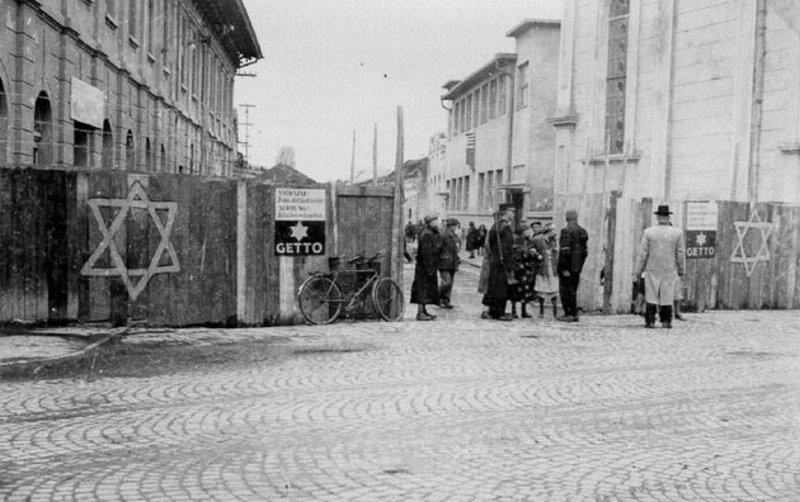 14 грудня 1941 року в Проскурові було утворено єврейське гетто