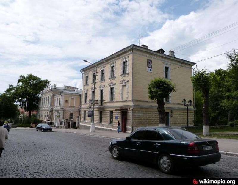 У 2016 році бібліотеці було присвоєне ім'я Костянтина Солухи, розташовується вона на вулиці Князів Кореатовичів, 3